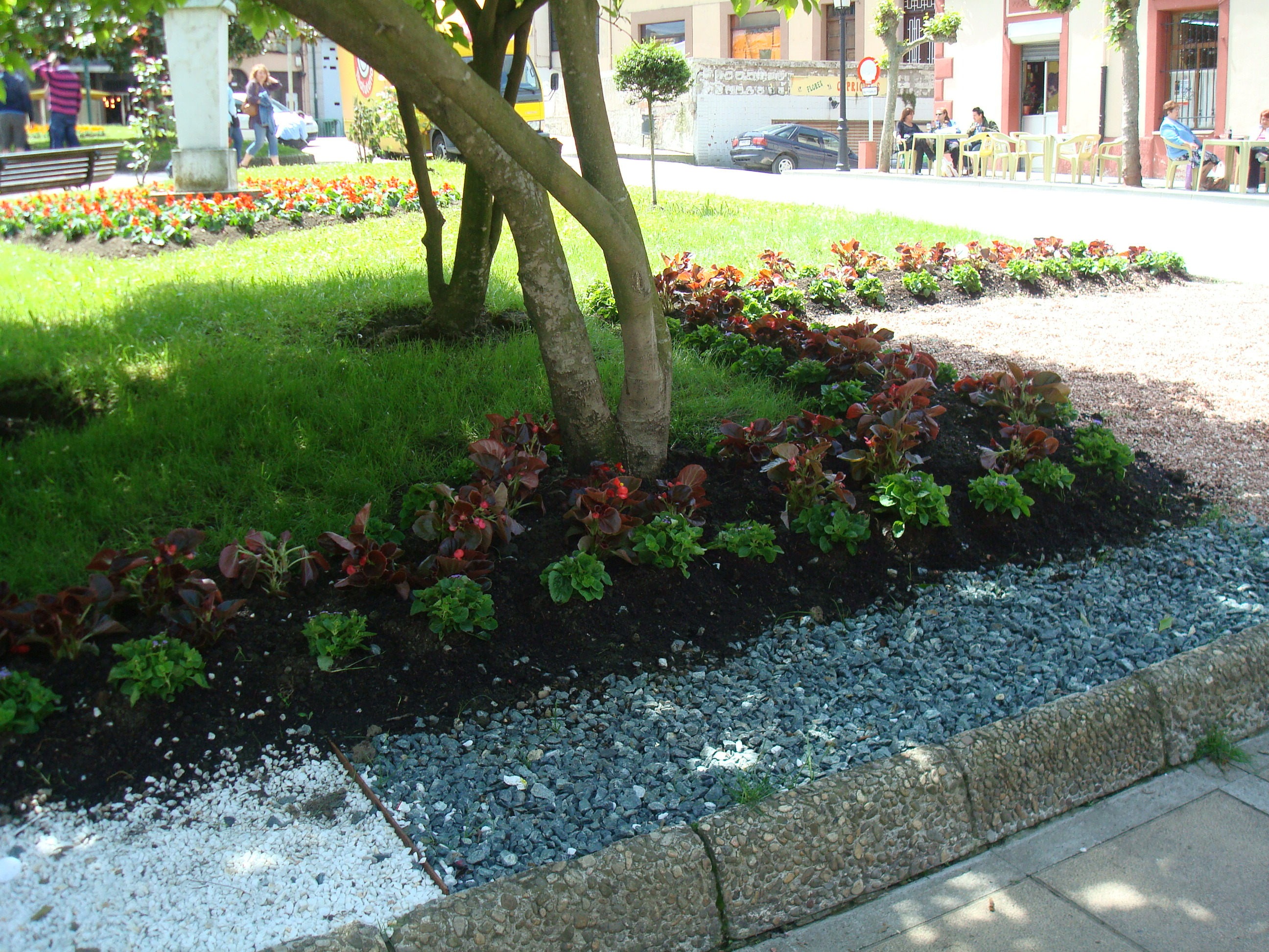 Parques y jardines asturias forestal for Adornos para parques y jardines